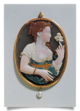 Cameo, Half-Figure of a Girl