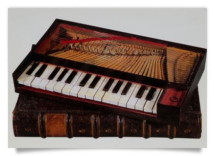 Fretted Octavo - Clavichord in book-size